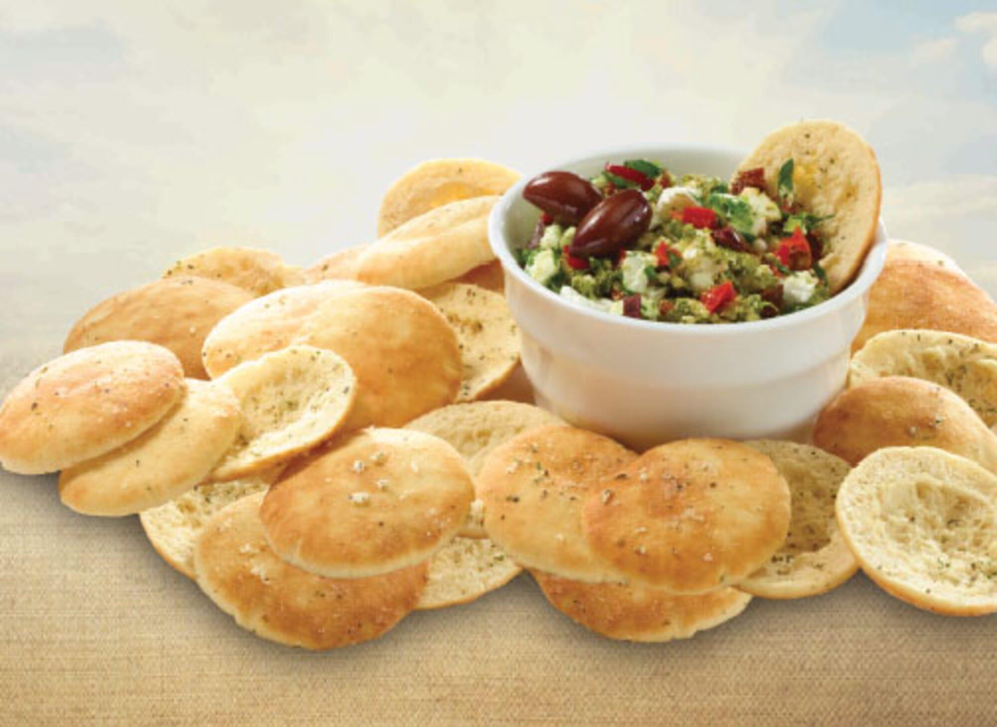 Toufayan Bakeries Pita Chip Feta and Olive Dip